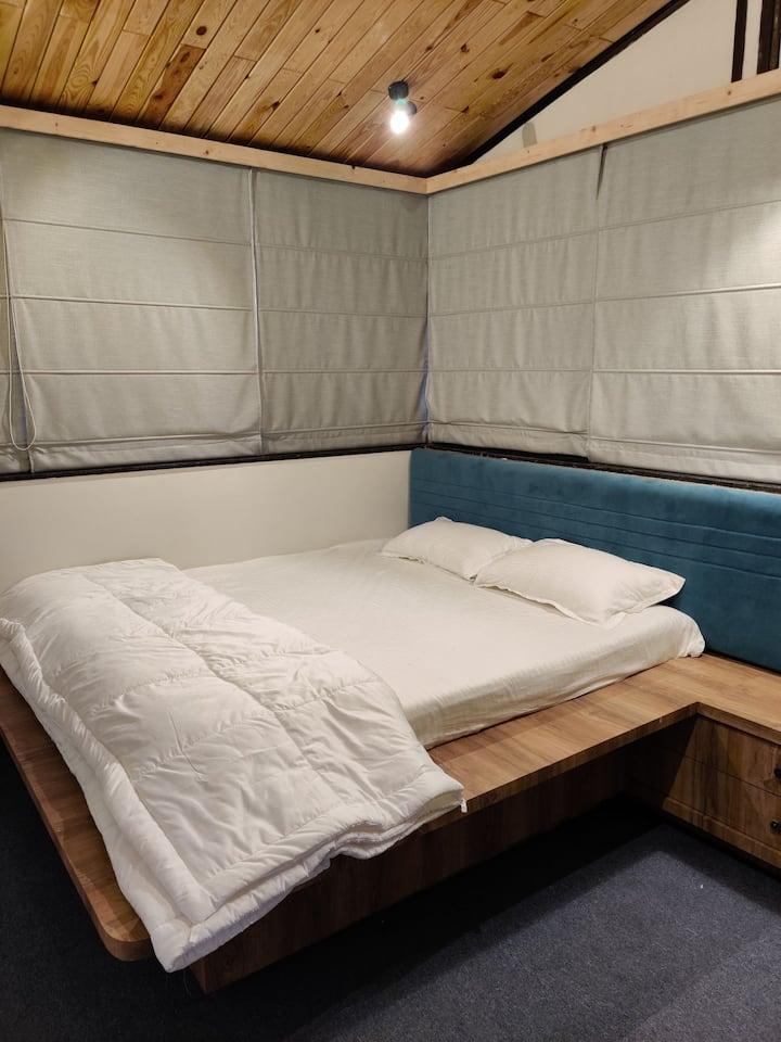 Rivercrest Vineyard view room