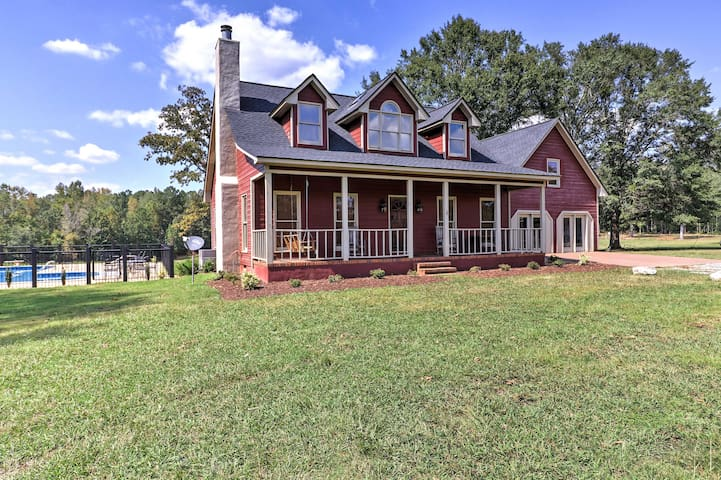 Pine Mountain Valley House w/ Pool on 25 Acres!