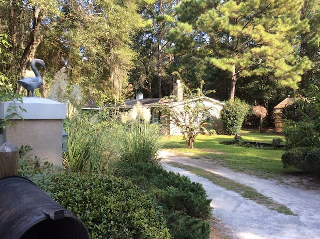 Charming cottage, birds singing. - Beaufort - Casa