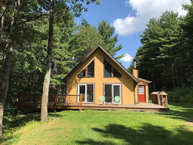 Secluded Catskills 3BR/2BA A-Frame Chalet Retreat
