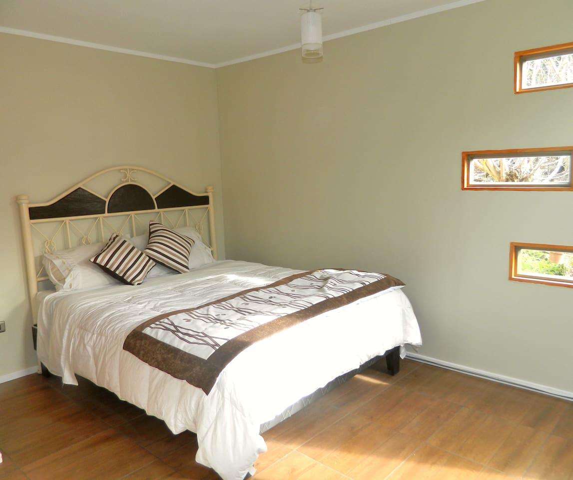 Vista del Dormitorio con cama matrimonial