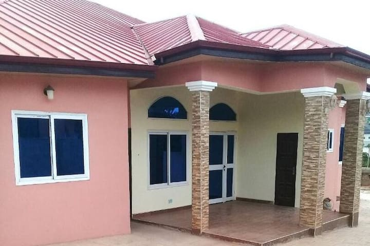 Amazing 7 Bedroom House in Accra