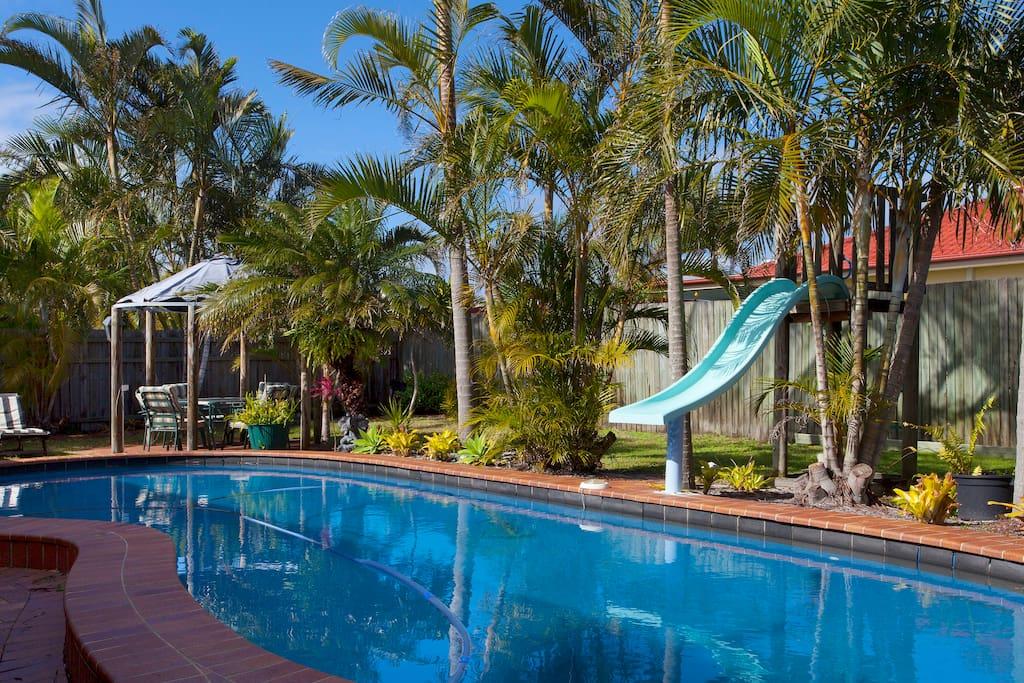 Sunshine Coast suburbia - relax and soak up the sun!