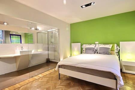 Belles chambres très confortables - Charleroi