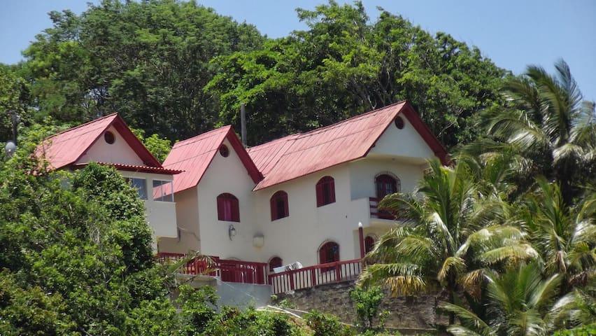 Casa com bela vista em Piúma