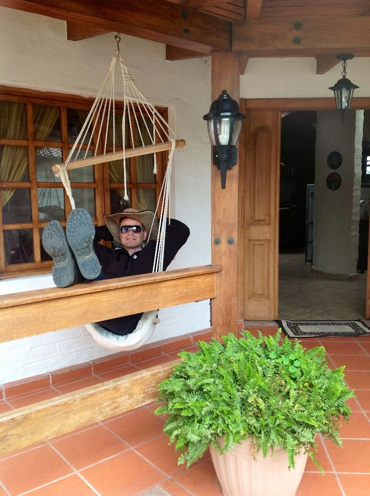 Bungalow 20 mins from Quito airport