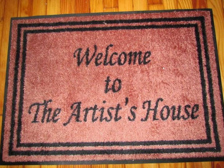 The Artist's House - 3 BR, 2.5 BA
