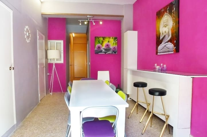 Lovely & colorful house with WIFI - Masalavés - Leilighet