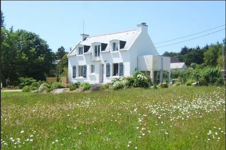 charming house with sea View - Roscanvel  - House