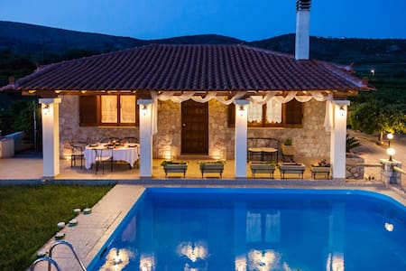 Private Villa with Swimming pool - Drepano - Willa
