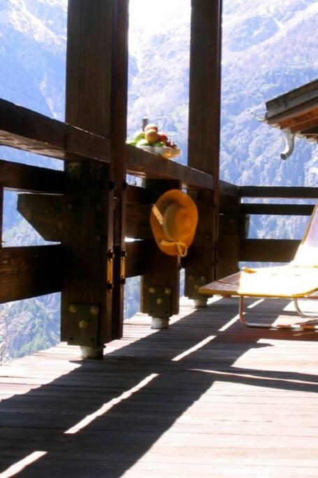 Balkon Farinet - Liegestühle vorhanden