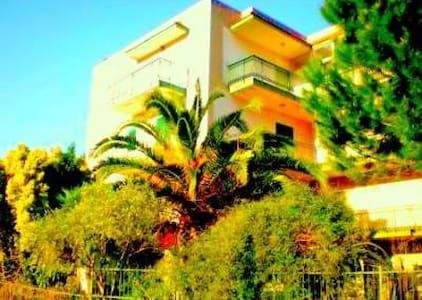 Large Attic Taormina sorroundings  - Gaggi - Apartemen