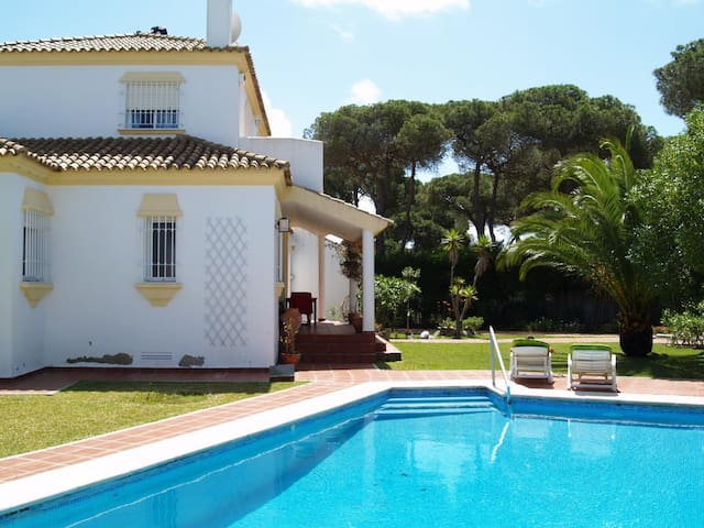 Villa Migusto - Fantastic family holiday home with private pool in quiet location