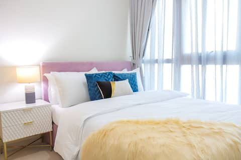Signature Holiday Homes - Brand New 3 BHK Villa, Vardon Akoya
