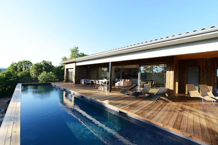 Villa d'architecte avec vue, piscine chauffée  SPA