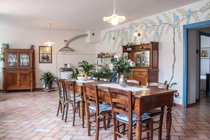 Tra Como e Lecco B&B Leon d'Oro - Pusiano - Bed & Breakfast