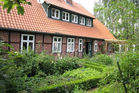Room for a short or longer stay - Bispingen - Casa