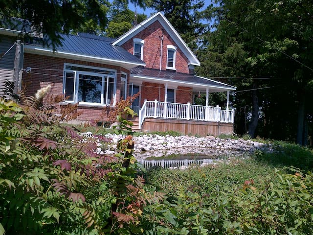 Woodhaven Farm on 100 acres - Meaford - Casa