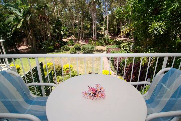 Absolute Beach-frontage BEACH HAVEN - 2 Bedrooms - Yorkeys Knob - Apartamento