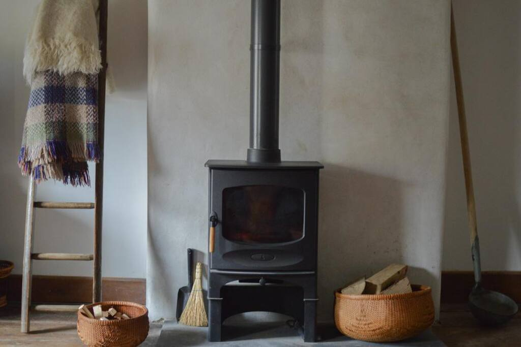 Enjoy our Charnwood  woodturner in the cold months.