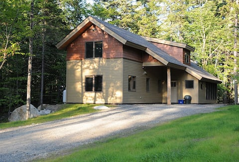 SPECIAL! Relax and enjoy the season (3 bdrm lodge)