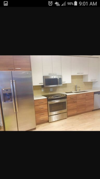 Fully Stocked Kitchen with Appliances