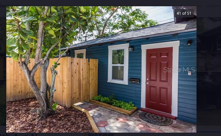 Heart of St. Pete - Cozy Private Bungalow w/Yard!