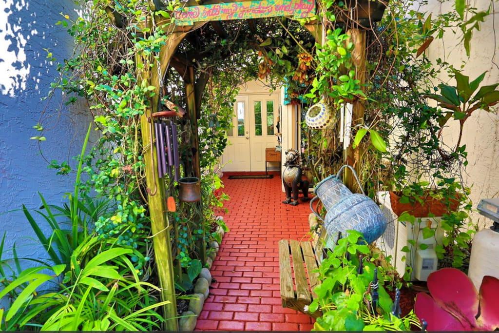 Entrance to front door