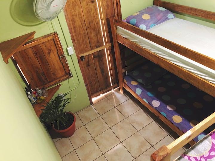Popoyo economic 4 beds dorm. Habitación #1