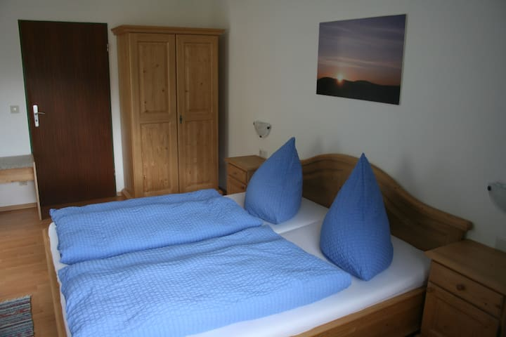 """Charming Apartment """"Ferienwohnung Watzmann"""" with Mountain View, Wi-Fi & Balcony; Parking Available, Pets Allowed"""