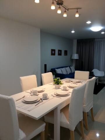 Sea View Sri Raja 2Bedroom 2bath room (pattaya)