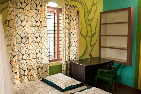 Spring Green Room in Serene Wayanad - Casa