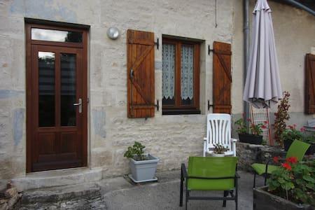 Appartement cosy entre Dole et Besançon - Apartment