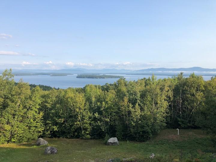 Lake Winnipesaukee Waterview Retreat Sleeping 10!