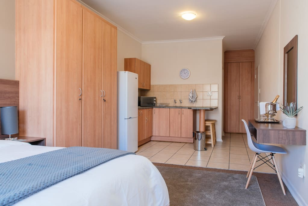 Spacious rooms with fully equipped kitchens. Some might say that it feels like home. We hope it feels even better!