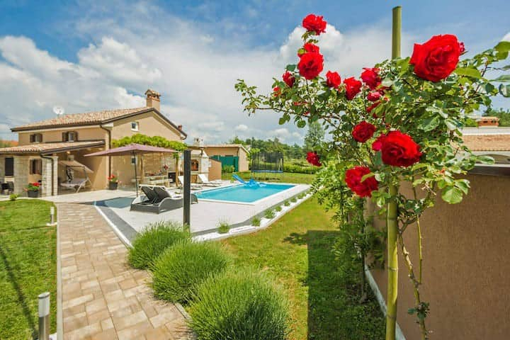Charming Istrian house Lana with private pool