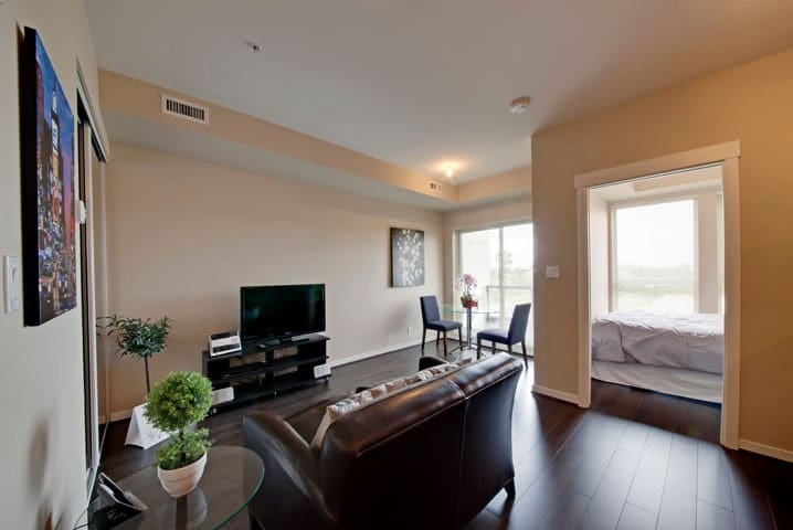 Fully Furnished Richmond Remy Suite