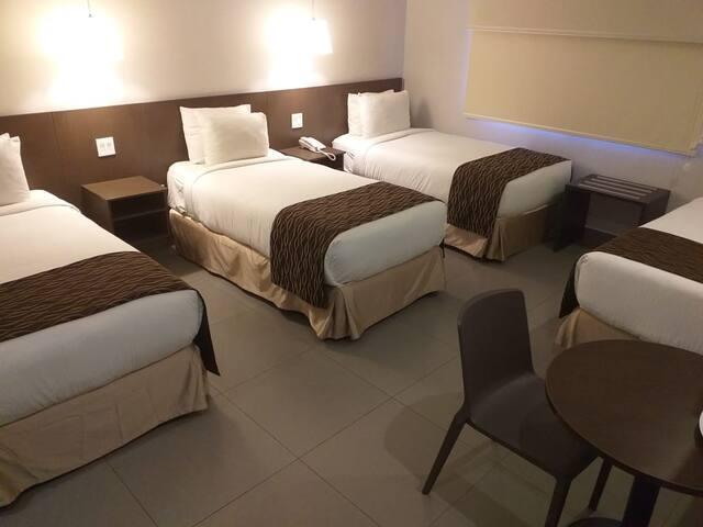 Habitacion Ojos Del Rio 3 o 4 camas individuales