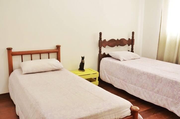 2 camas de solteiro - CasaZen