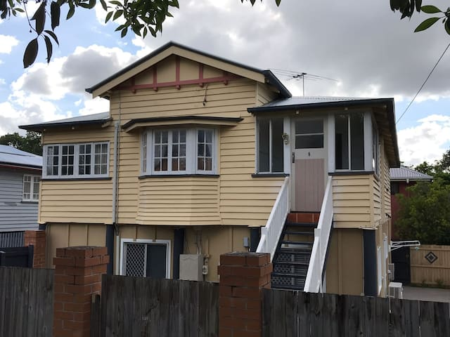 Queenslander house in Kedron