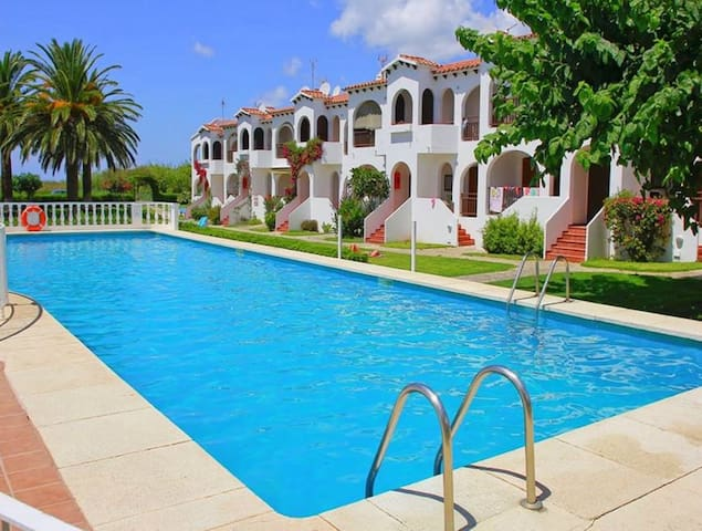 Apartment in Wel- maintained Complex with Pool - Girasol Garden Superior 2 F