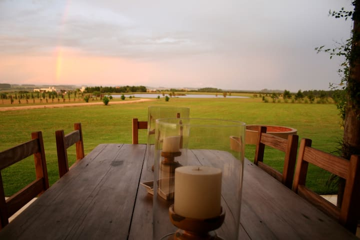10 ACRES OF PRIVACY,WI/FI,FULL SVC. - José Ignacio - Ev