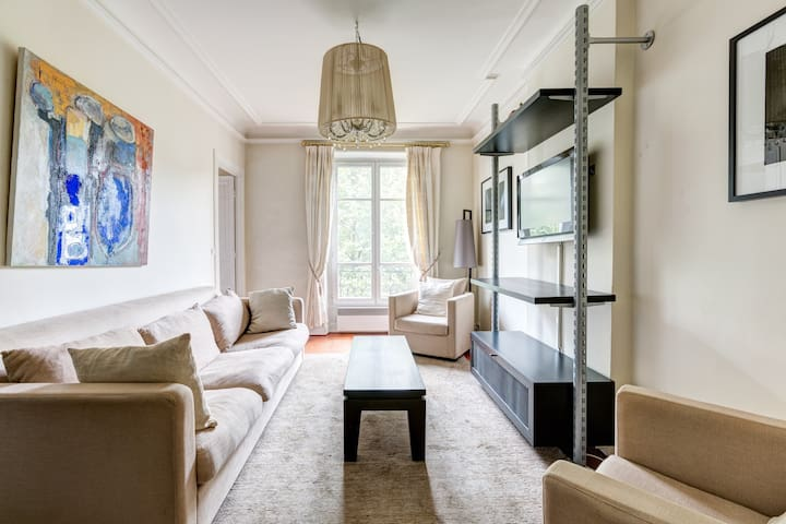 2 bedrooms typical parisian flat