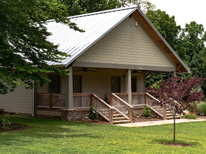 Bungalow North on 400+ acres with Private Lake