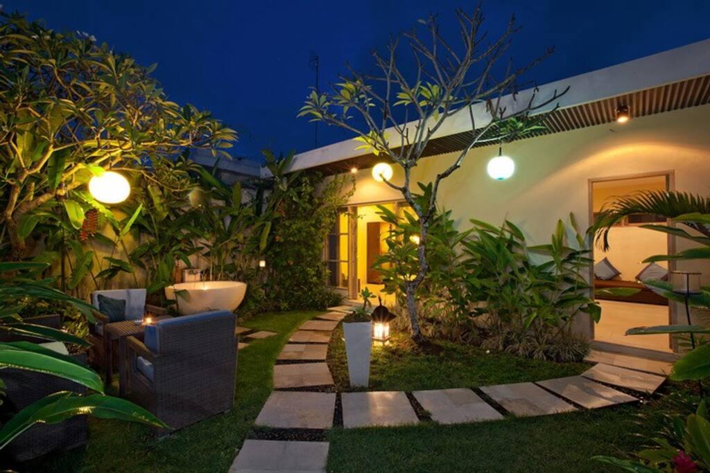 Inside Yard Villa Mala - Night (private)
