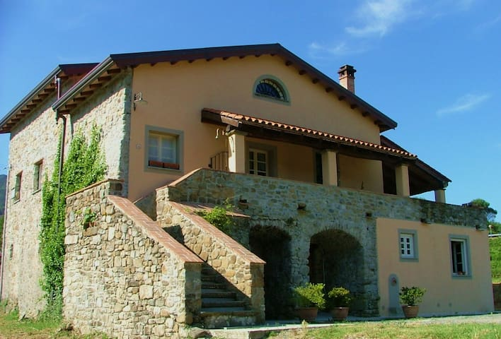 b&b La Corte di Candido - Beverino - Canevolivo - Bed & Breakfast