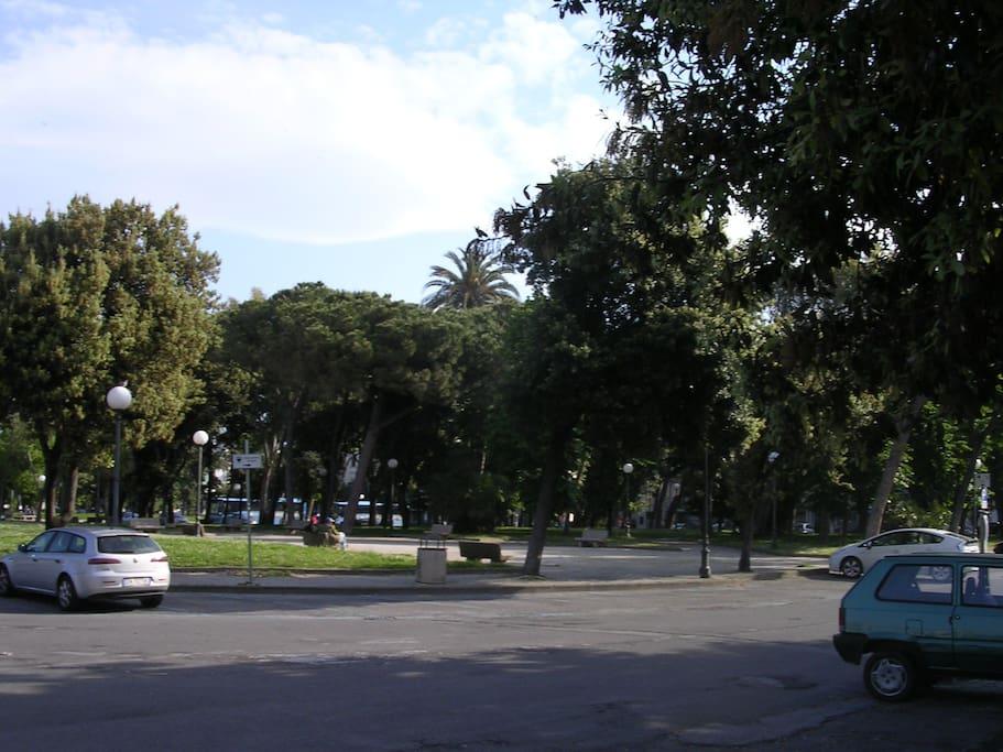 Piazza d'Azeglio a 30 metri
