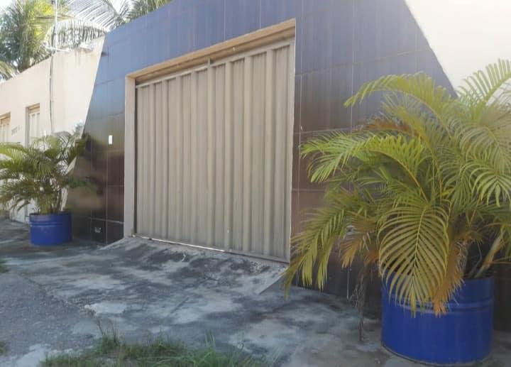 Excelente casa com espaço amplo, semi mobiliada!!!