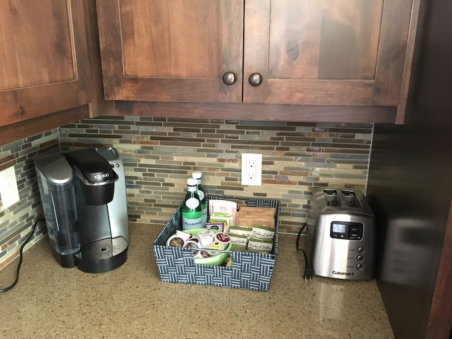 Enjoy using the Keurig! Pods, tea, oatmeal and cereal bars are provided.