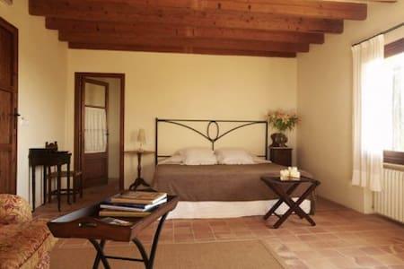 Junior Suite @ agroturismo - Manacor - Bed & Breakfast